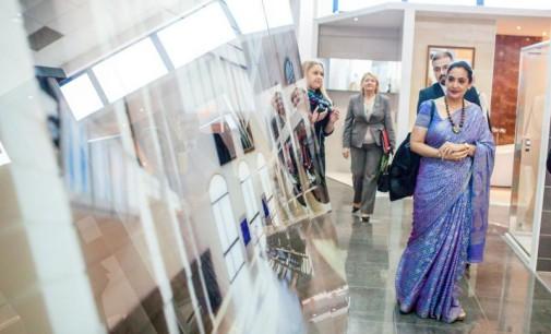 Ambasador Indii z wizytą w zakładzie produkcyjnym Grupy Paradyż w Tomaszowie