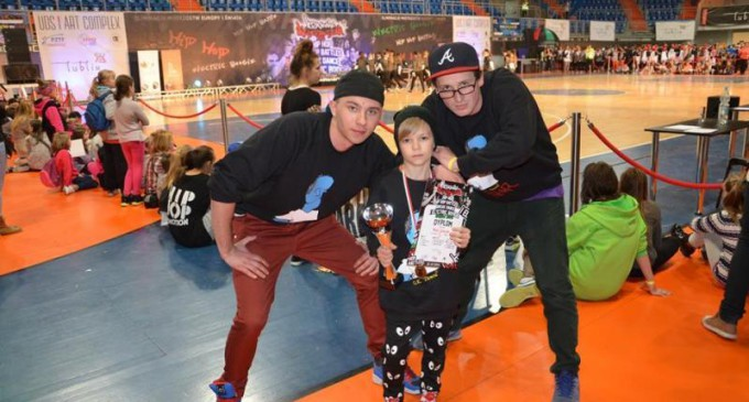 Mistrz HIP-HOP z KoBoS – Dance!