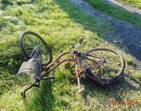 Wypadek w Rzeczycy. 78 letnia rowerzystka walczy o życie
