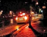 Groźny wypadek na ulicy Warszawskiej. Fiesta doszczętnie zniszczona