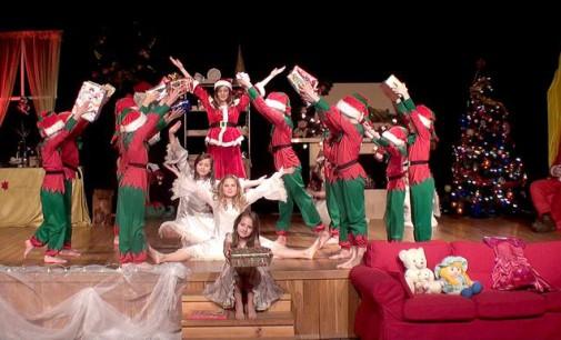 """""""Skąd się biorą prezenty?"""" – świąteczny spektakl w Tkaczu"""