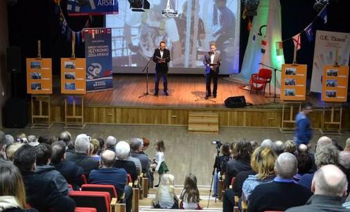 """Koncert szantowy i otwarcie wystawy """"Tomaszów pod żaglami Pogorii"""""""