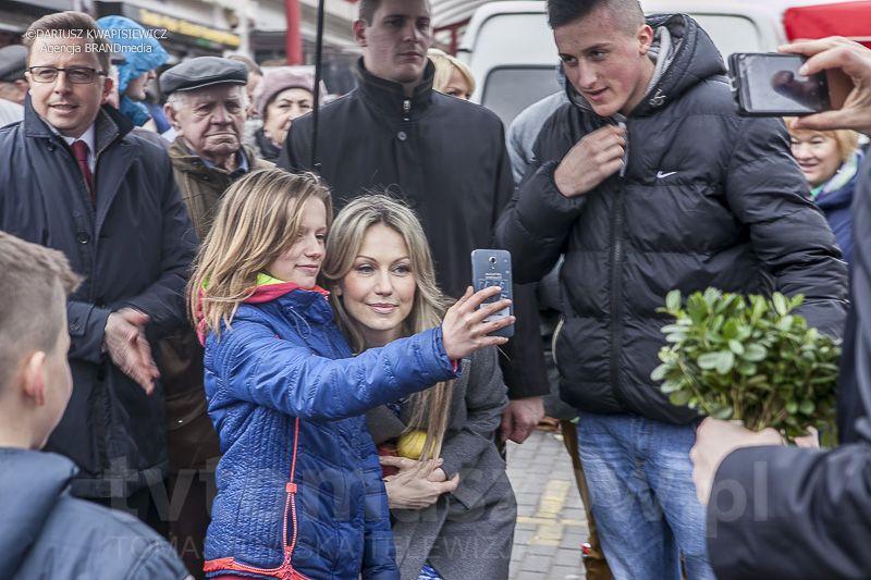 Magdalena Ogorek w Tomaszowie 2 kwietnia 2015_0058-100