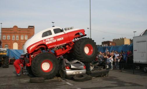 Drifty, wypadki i dwa Monster Trucki. Monster Show Chaloupka w Tomaszowie