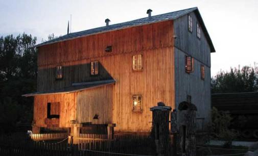 Iluminacje i inne atrakcje  czyli Noc Muzeów w Skansenie i Grotach