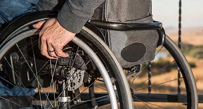 Pomoc dla osób niepełnosprawnych i starszych w dotarciu do lokali wyborczych
