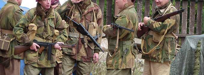 Spadochroniarze i czołgiści – manewry w skansenie