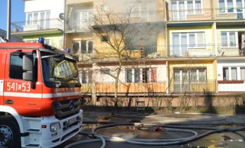 Pożar przy ul. Barlickiego. Nie żyje 50 letni mężczyzna