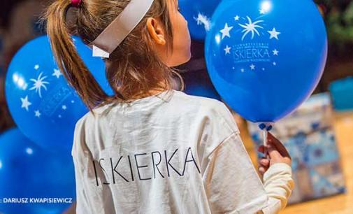 """Pomalujmy świat na niebiesko! Światowy Dzień Świadomości Autyzmu ze Stowarzyszeniem """"Iskierka"""""""