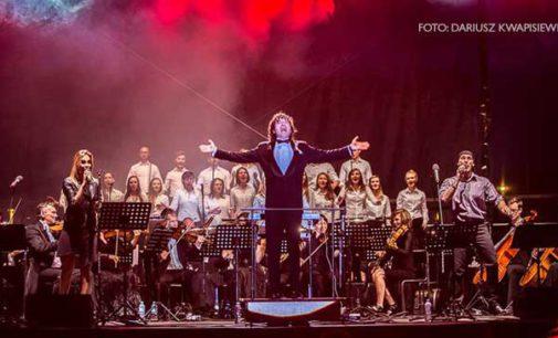 Niesamowity koncert Piotra Rubika w Tomaszowie Mazowieckim (ZDJĘCIA)