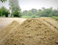Od piątku na przystani rusza strzeżona plaża. Dostarczono 70 ton piachu