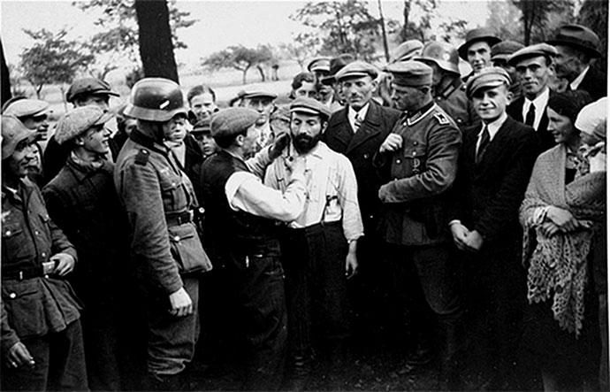 Tomaszów Maz., Obcinanie brody i pejsów ortodoksyjnym Żydom