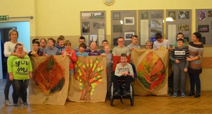 Kreatywne warsztaty dla dzieci z niepełnosprawnością w DOK