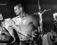 """Spektakl """"Listy z Getta"""" i koncert Michała Hochmana w 74 rocznicę likwidacji tomaszowskiego getta (ZDJĘCIA)"""
