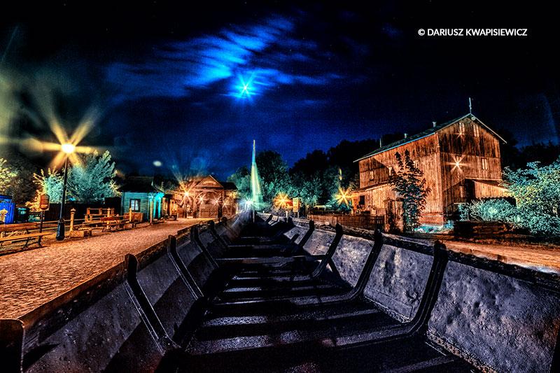 skansen_rzeki_pilicy_noca