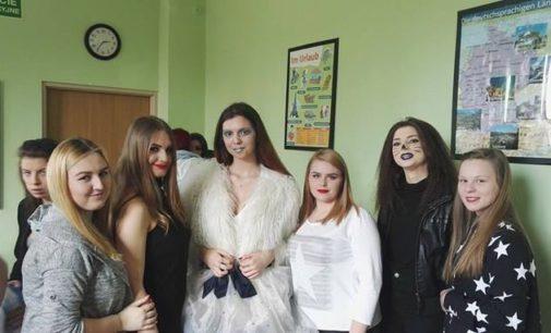 """Kolejny Sukces Młodzieży z Wyspiańskiego II miejsce W V Powiatowym Konkursie Fryzjerskim """"Kreator"""