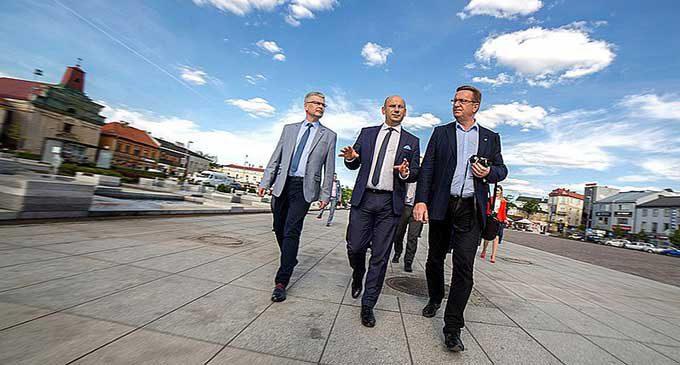Posłowie na wyjazdowej Komisji w Tomaszowie