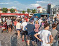 Tłumy tomaszowian na I Zlocie Food Trucków