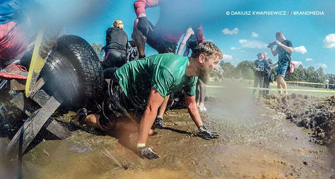 Micro Runmageddon w Tomaszowie! Prawie 500 uczestników ekstremalnego biegu (ZDJĘCIA i WIDEO)