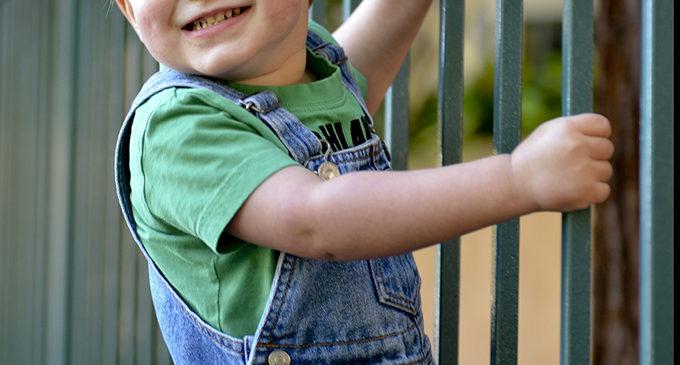 2-letnie dziecko bez opieki wyszło ze żłobka w Tomaszowie Maz.