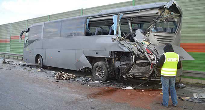Poważany wypadek na S8. Siedem osób trafiło do szpitala