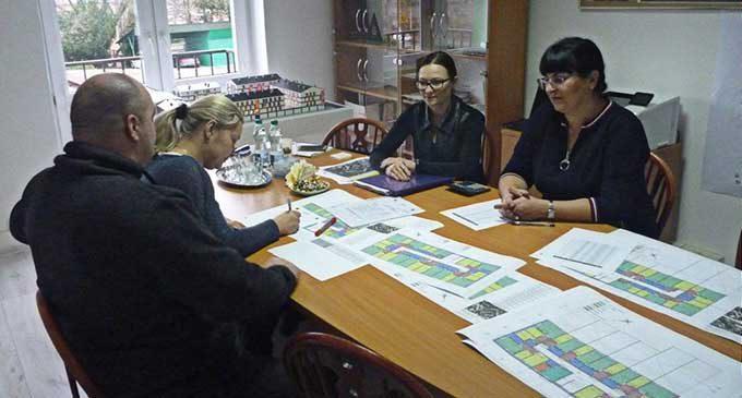 """Uczestnicy projektu """"Mieszkanie TM Plus"""" wybierają już swoje cztery kąty"""