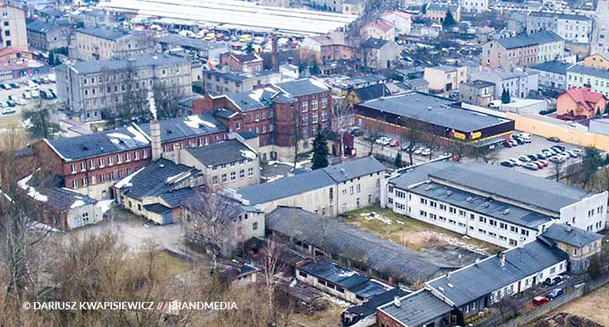 Umowa na rewitalizację byłej budowlanki w Tomaszowie podpisana