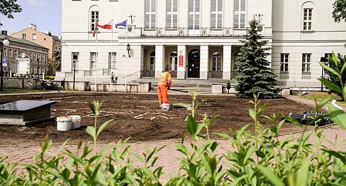 Więcej zieleni i ławek w centrum Tomaszowa