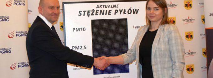 Urządzenie do badania pomiaru jakości powietrza stanie na pl. Kościuszki
