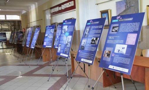 Wystawa w ratuszu- 200 lat szczepień ochronnych