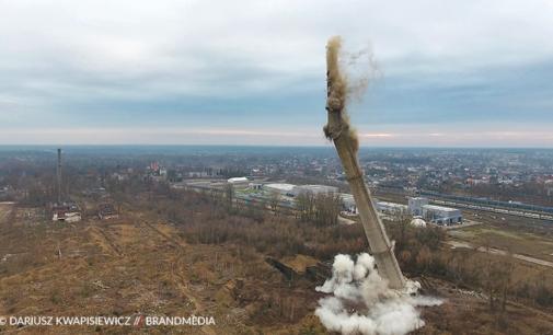 Wyburzenie komina Wistomu w Tomaszowie Mazowieckim  (ZDJĘCIA i WIDEO)