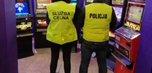 Nielegalny salon gier hazardowych zlikwidowany w bloku przy ul. Smugowej