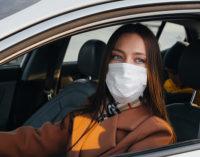 Szumowski: w prywatnym samochodzie nie ma obowiązku noszenia maseczek
