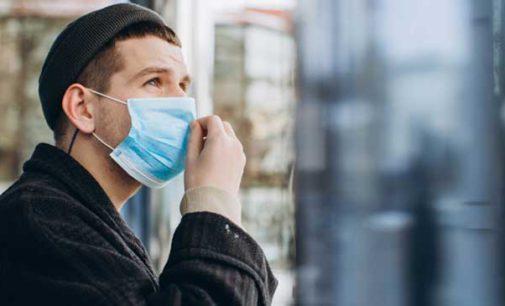Niedzielski: osoby zwolnione z noszenia maseczek muszą nosić ze sobą zaświadczenie lekarskie potwierdzające chorobę