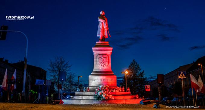 Pomnik Tadeusza Kościuszki został podświetlony na biało-czerwono (WIDEO)