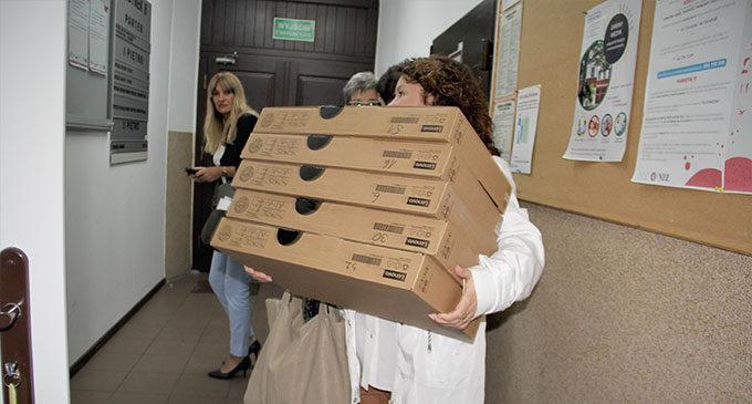 Laptopy trafiły do tomaszowskich szkół podstawowych