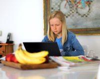 Do 11 kwietnia wszyscy uczniowie szkół podstawowych i średnich uczą się zdalnie