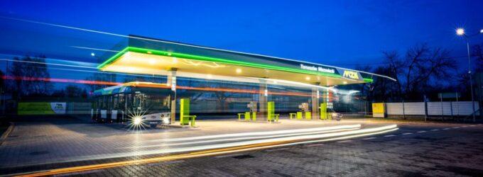 Samoobsługowa Stacja Paliw MZK. Jak korzystać z tankomatu? (WIDEO)