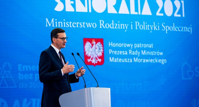 Premier Mateusz Morawiecki na Ogólnopolskich Senioraliach w Tomaszowie (ZDJĘCIA)