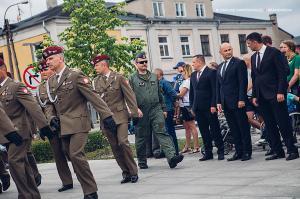 Swieto 25 brygady Antoni Macierewicz 101
