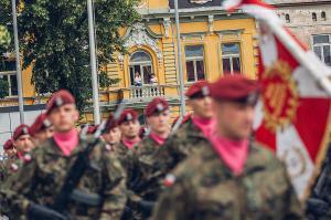 Swieto 25 brygady Antoni Macierewicz 194