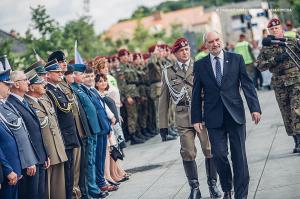 Swieto 25 brygady Antoni Macierewicz 301