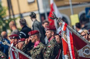 Swieto 25 brygady Antoni Macierewicz 358