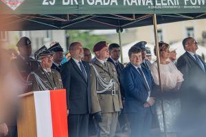 Swieto 25 brygady Antoni Macierewicz 421