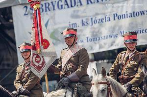 Swieto 25 brygady Antoni Macierewicz 475