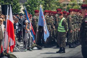 Swieto 25 brygady Antoni Macierewicz 480