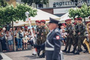 Swieto 25 brygady Antoni Macierewicz 510