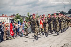 Swieto 25 brygady Antoni Macierewicz 555