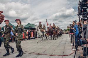 Swieto 25 brygady Antoni Macierewicz 613