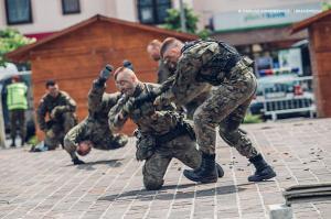 Swieto 25 brygady Antoni Macierewicz 766